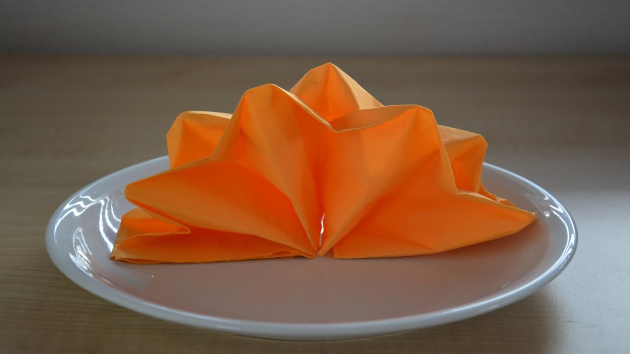 Servietten Falten Lotusblüte : servietten falten 39 sternenf cher 39 f r weihnachten geburtstag hochzeit youtube ~ Watch28wear.com Haus und Dekorationen