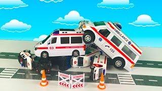 Мультики про Машинки - Много Машинок Скорой помощи попадают в аварию - Эвакуатор спешит на помощь