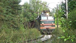 Электровоз ВЛ10 158 с грузовым поездом