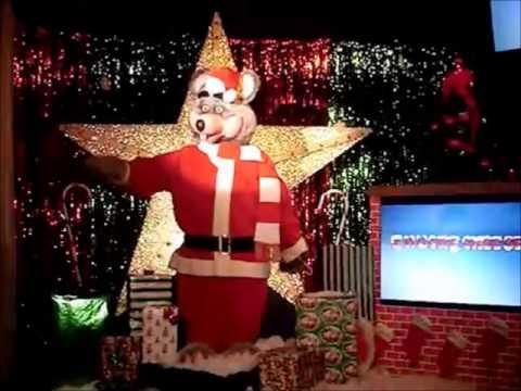 Chuck E Cheese Christmas.The Media Wiz Reviews A Chuck E Cheese Christmas