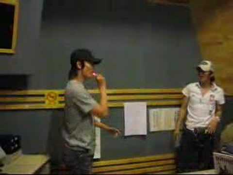 Donghae and Leeteuk doing magic