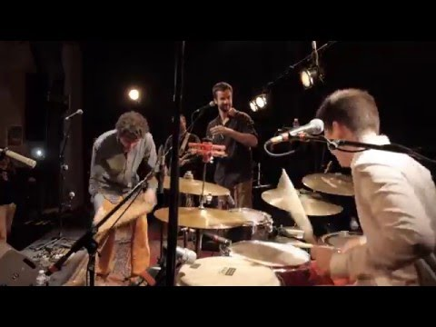Maloya on drums - Dann Fon la Ba