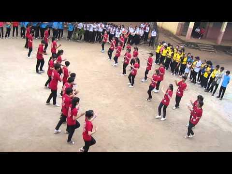 Dân vũ Sara Sayang lớp 98 - Trường Ngô Quyền - Cẩm Mỹ 2014