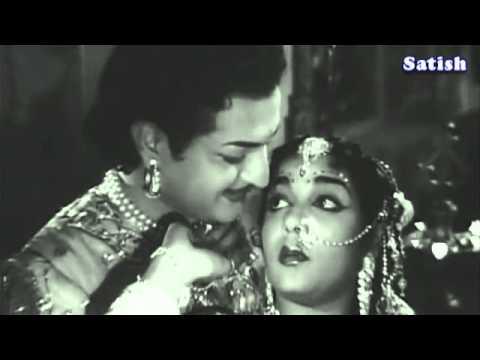 Nannu Dochukunduvate   Gulebakavali Katha   TeluguOld Classics   NTR   Ghantasala, Susheela   YouTub