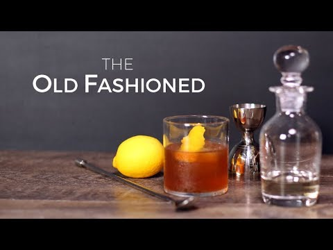 classic-cocktails---how-to-make-an-old-fashioned-cocktail