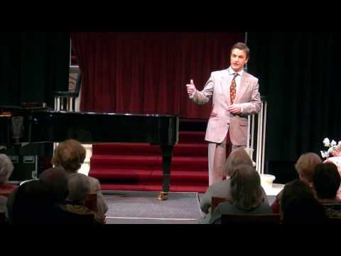 Simon Morgan sings the Prologue from Pagliacci live at the NCH Dublin