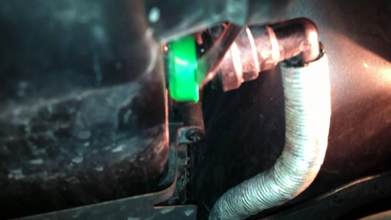 demontage du tuyau de compresseur d 39 air sur filtre air partie 1 2 youtube. Black Bedroom Furniture Sets. Home Design Ideas