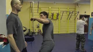 Валерий Крючков  С А О Стрела  техника кулачного боя   серия одной рукой
