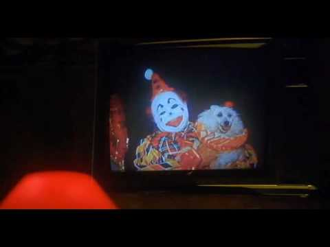 Download Shakes The Clown - dog scene