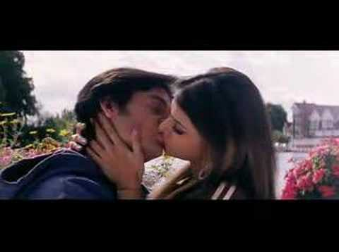 mona chopra kissing some guy