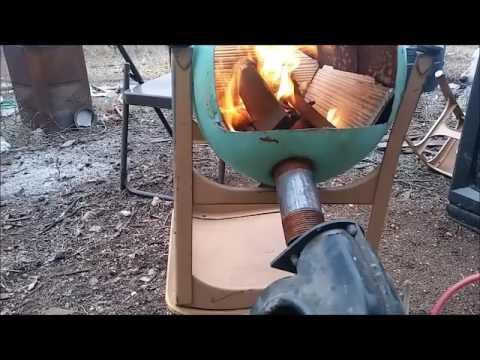 Redneck making a mini forge