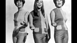 The Shangri-Las - The train from Kansas City (with Lyrics)