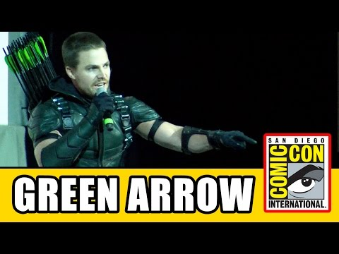 Stephen Amell's GREEN ARROW Speech Live at Comic Con