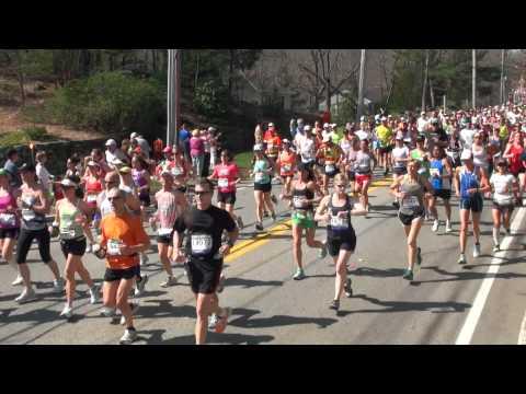2012 Boston Marathon Wave 2  video taken in Hopkinton near the start
