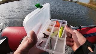 Рыбалка с лодки на хорошо знакомом озере Юля поймала трофей на ультралайт до 5ти грамм