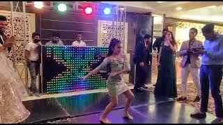 Amazing bride's younger sister wedding dance performance | LOL | #pawniarya