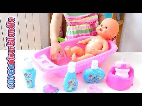 Bañamos a nuestro Nenuco!! Little Baby Doll Bathtime Set. Bebé de juguete.