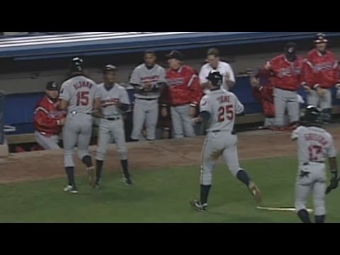 1997ALDS Gm2: Indians score five in 4th to take lead