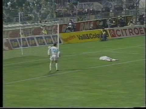 Chris Waddle Amazing Dribble v Milan