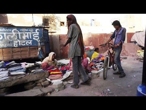 Indien India Inde Rajasthan Bikaner Tuc Tuc Bikaner Altstadt Strassenleben streets of Bikaner