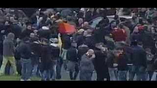 Roma-Lazio, scontri tra tifosi  due feriti (08/04/2013) thumbnail
