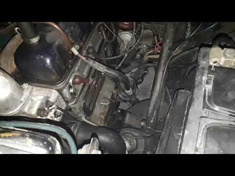 Двигатель прогрелся, работает. Газ 21 Волга