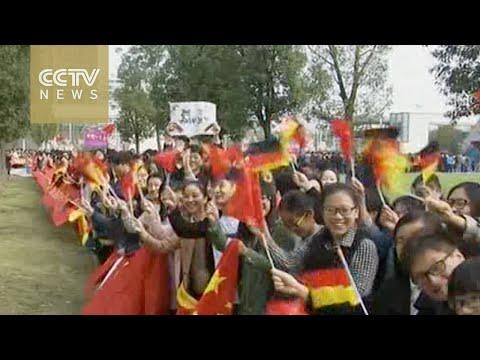 Merkel visits Chinese university with Li Keqiang