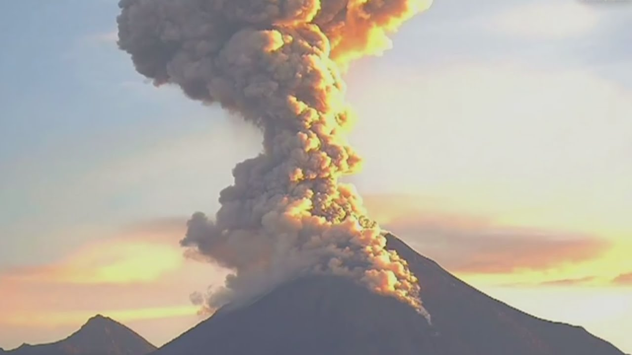 photo How to Make a Model Volcano Pyroclastic Flow