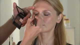 Revista OQ - Elizabeth Arden - Day to Night Makeup Look Thumbnail