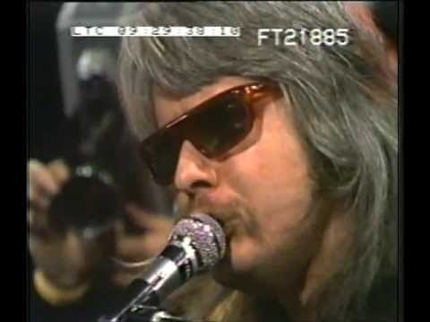 LEON RUSSELL: Shootout on the plantation medly LIVE 1971