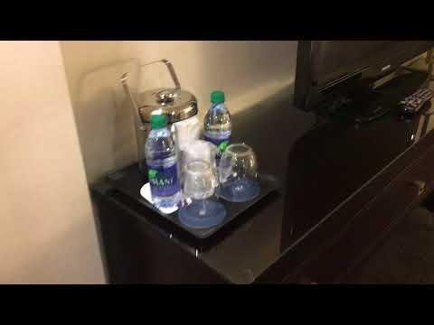Sheraton Montreal Airport - Room Tour