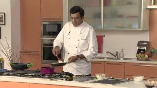 Gambar cover Sunheri Gulab-e-Gulkand with Rose Scented Sauce - Festive Recipe by Chef Sanjeev Kapoor