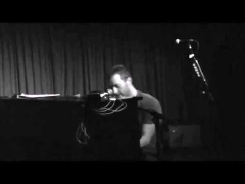 Yellow - Coldplay (Chris Martin on piano) acoustic live  HD