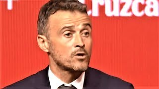 La prensa acosa a Luis Enrique en su presentación como entrenador de la Selección Española de fútbol