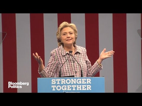 Hillary Clinton Calls for a 'National Service Reserve'