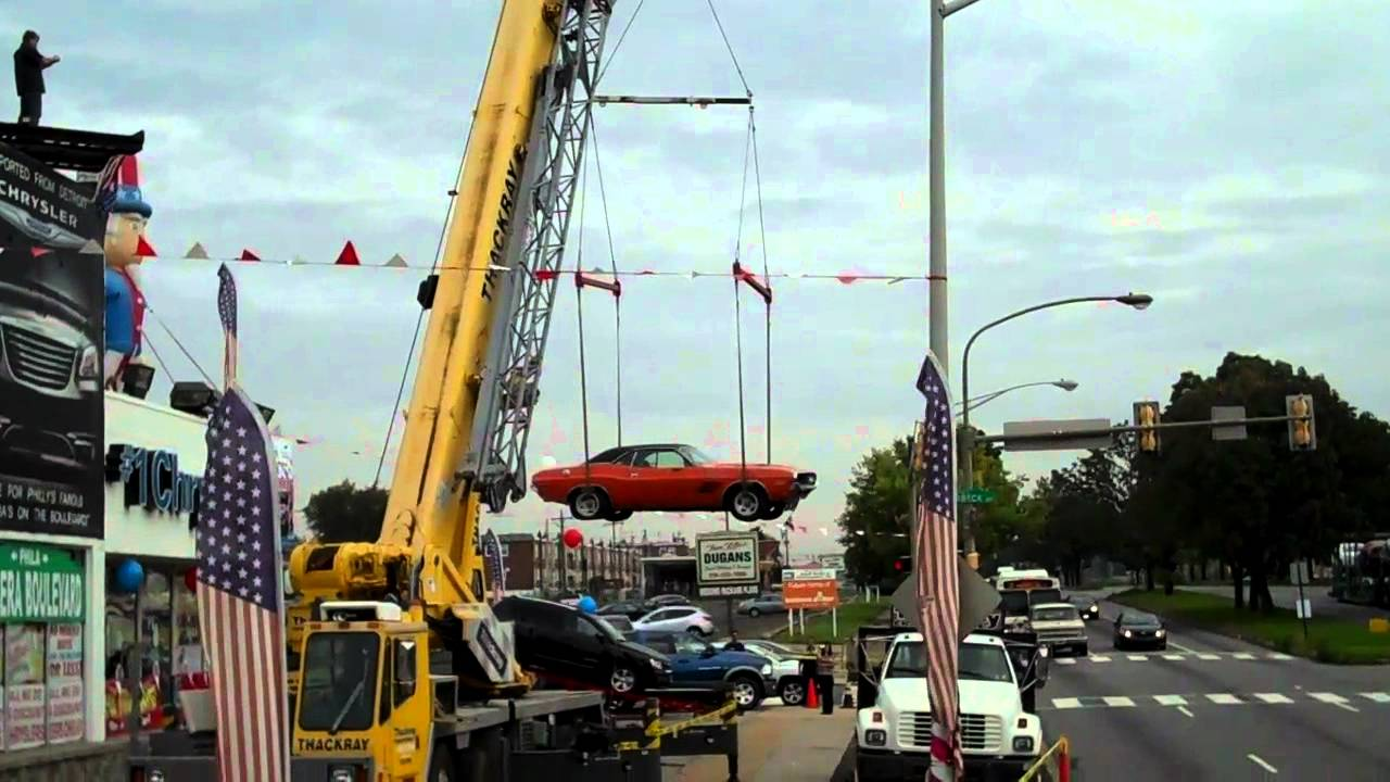 1971 Dodge Challenger Gets Lifted From The Roof Of Barbera's ...