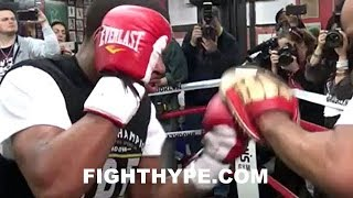 ERROL SPENCE SNIPING WITH DEADLY ACCURATE PUNCHES; BLASTS THE MITTS WITH CRISP SHOTS