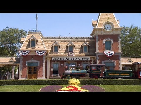 Highlights: 2018 Disney Institute Customer Experience Summit, Disneyland  Resort
