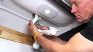 Badkamers: hoe installeer je een wasbak combinatie?   IKEA Helpt