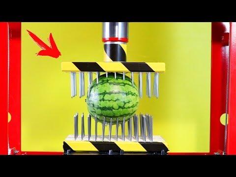Nagelbett an einer 50 Tonnen Presse gegen eine Wassermelone - Experiment