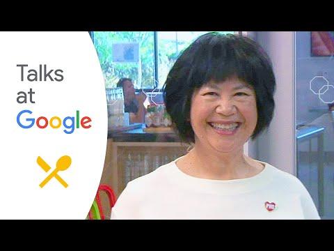 "Andrea Nguyen: ""The Pho Cookbook [...] | Talks at Google"