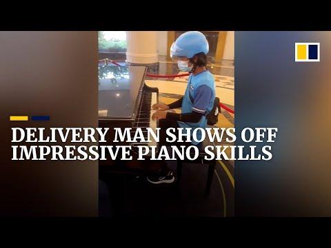 Delivery man shows off impressive piano skills in China