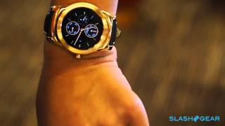 LG Urbane Android Wear upclose @ MWC 2015