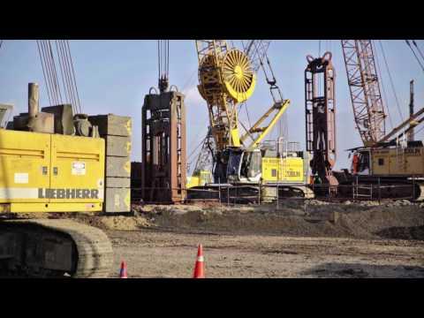 Liebherr - Duty Cycle Crawler Crane HS 8100 HD In Slurry Wall Grab Operation