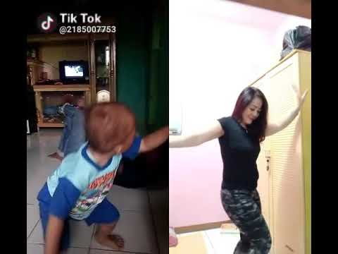 Viral .. !!! Hot ... Duet seru.. Anak kecil vs tante shantik.. 😂