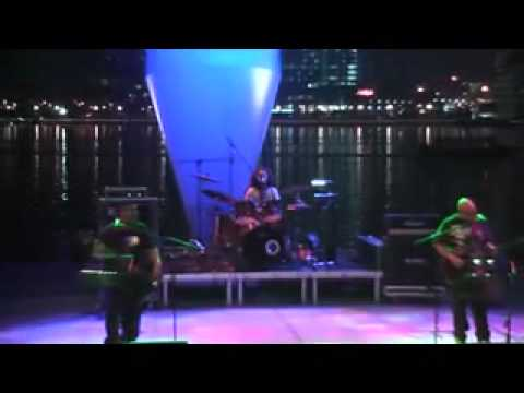 Esplanade WaterFront 29 Aug 2011 - Cahaya di Aidil Fitri (Black Dog Bone)