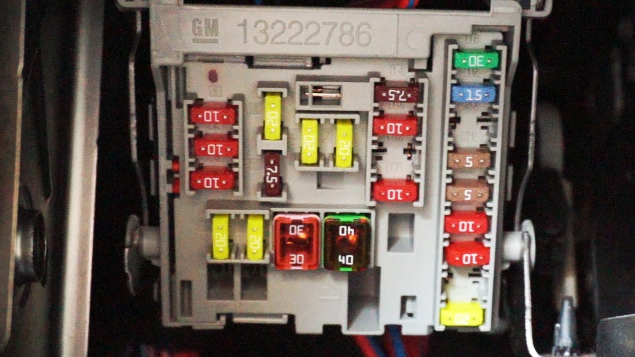 small resolution of opel astra j cabin fuses and obd2 port location youtube astra k astra j rear fuse box