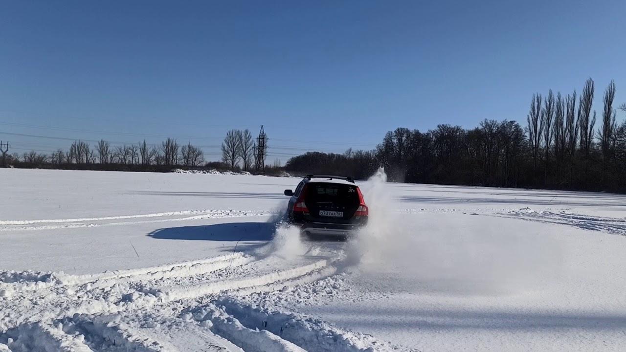 Volvo XC70, 2020 по снежному полю - YouTube