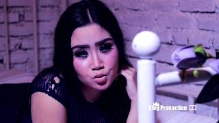 Video Suket Tangga - Lagu Terbaru Anik Arnika Official Video Music Full HD download MP3, 3GP, MP4, WEBM, AVI, FLV November 2017