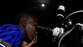 Kenyan astronomer installs telescope to show eclipse to populations [No Comment]